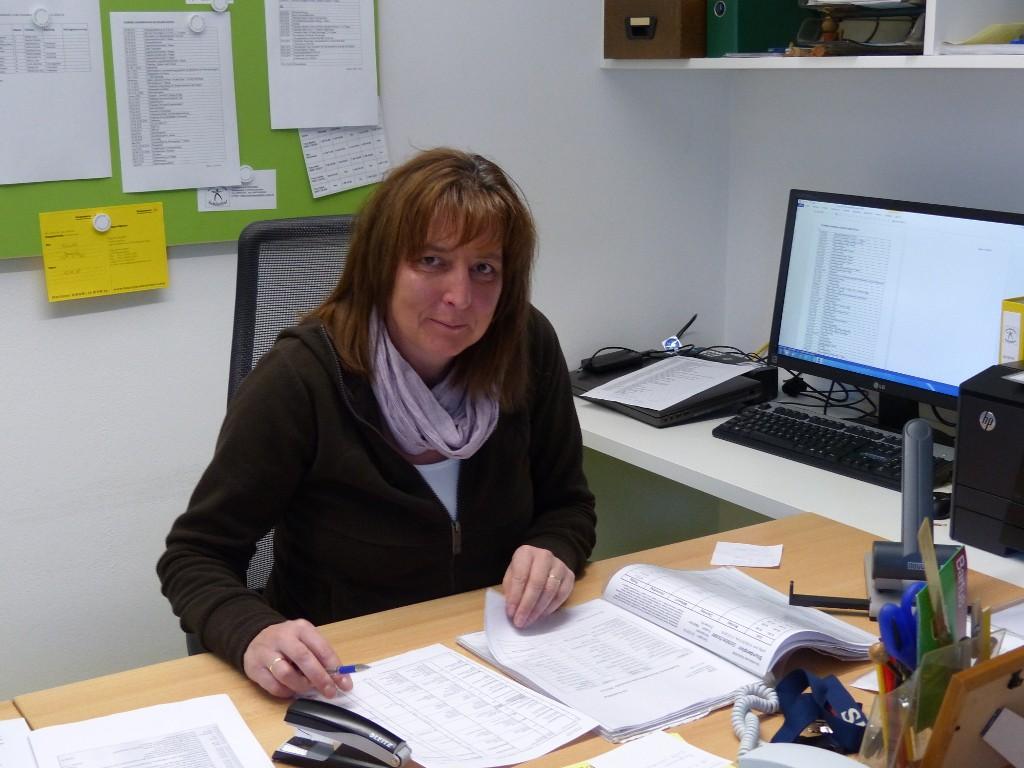 Sekretärin Frau Bühler